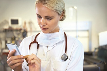4 Highly-Effective Strategies Moms Can Use to Tackle Medical School Debt